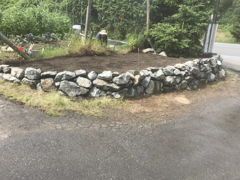 Boulder Dry Stack Retaining Wall
